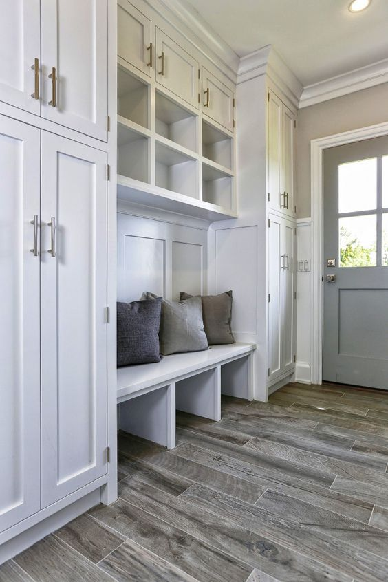 Merveilleux Tile Floors And Mudrooms Are A Match Made In Heaven, But Wood Grain Tile  Elevates The Look. | Floor Ideas | Pinterest | Wood Grain Tile, Tile  Flooring And ...