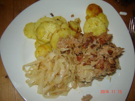 Hackbraten mit Kraut+Bratkartoffeln