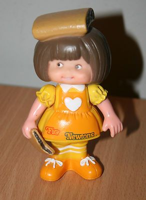 I had this doll and the chips ahoy one.. I think I remember them smelling kinda like cookies. Loved them!