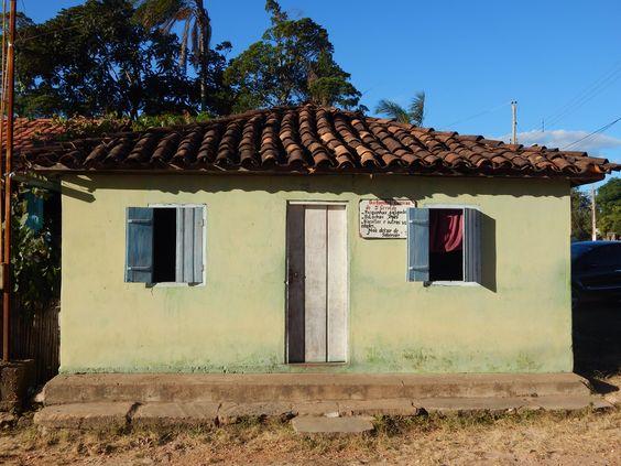 casa com janelas azuis; Milho Verde, MG #milhoverde #casasautênticas