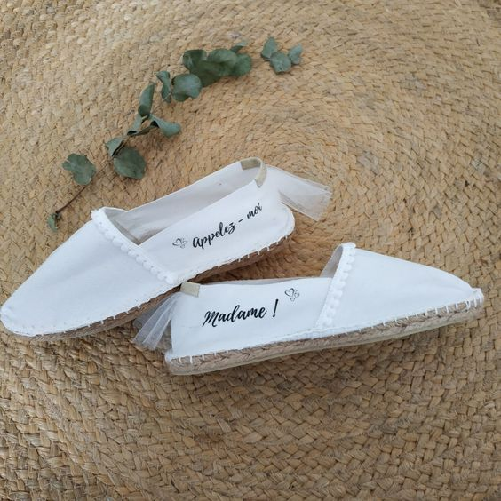 Espadrilles de mariage   APPELEZ-MOI MADAME Espadrille de mariage pour une tenue de mariage décontractée, chaussure pour le brunch mariage, chaussure pour lune de miel, call me madame #espadrillefemme #callmemadame #alpartagaswedding #alpatargas #weddinginspiration