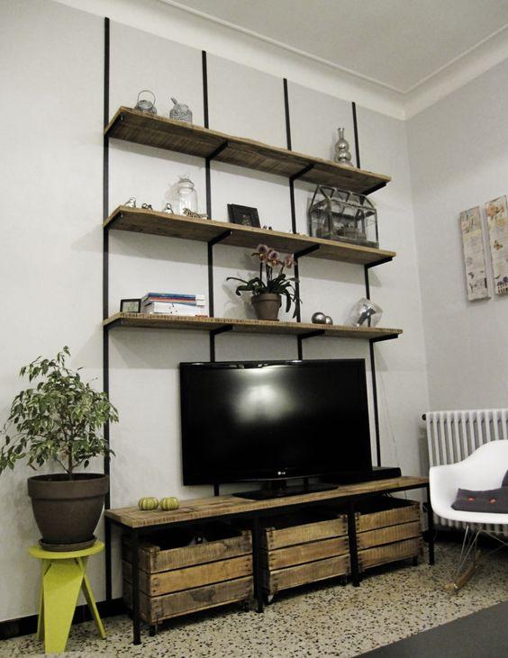 structure lgre type tagres servant de meuble tl en acier brut vernis et plateaux - Meuble De Salon Industriel