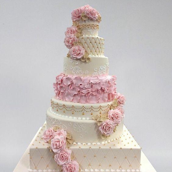 wedding cake by buddy valastroquotcake bossquot just yummy