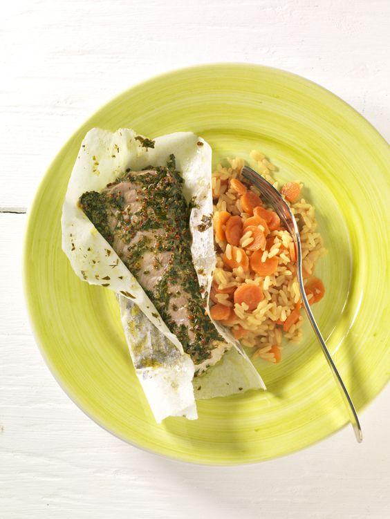 Kräuter-Fischfilet mit Möhrenreis   Das Jod im Seefisch versorgt die Schilddrüse und beugt einem Kropf vor. In der Küche zusätzlich jodiertes Speisesalz benutzen.