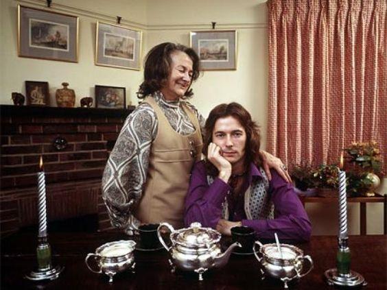 EPIRUS TV NEWS: Συγκατοίκηση με γονείς