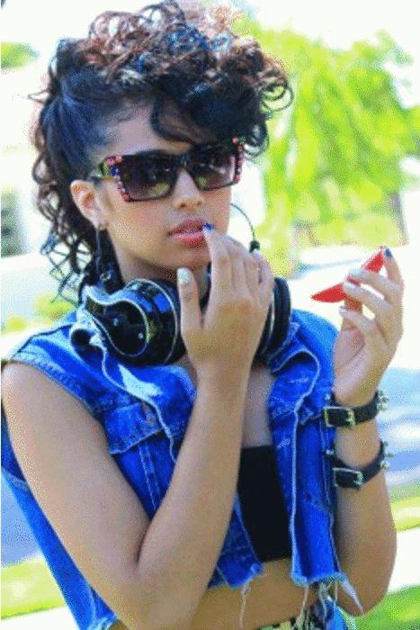 Curls; Jasmine V