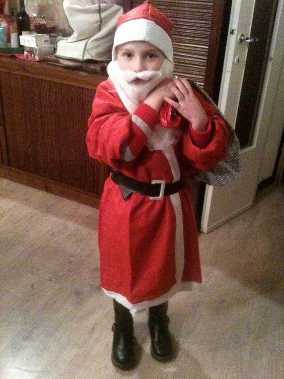 Alcuni suggerimenti per un regalo di Natale. / Al tuo nemico, perdono. / Al tuo avversario, tolleranza. / A un amico, il tuo cuore. / A un cliente, il servizio. / A tutti, la carità. / A ogni bambino, un buon esempio. / A te stesso, rispetto. Oren Arnold e Olga. www.wishgate.org