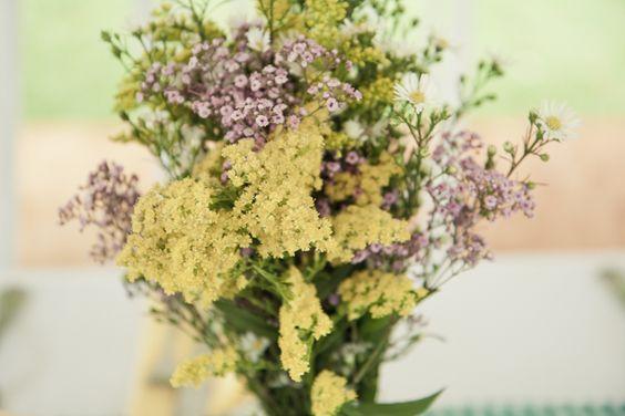 Centros de mesa con flores silvestres