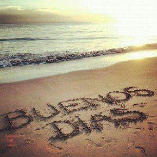 #buenos dias!!! ya es #miercoles!!  Que tengais un feliz dia y no olvidaros ser felices!