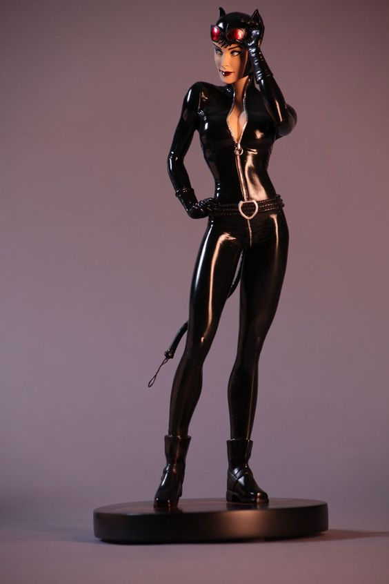 STATUES: Cover Girls of the DC Universe - Catwoman — Major Spoilers