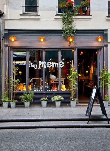 Chez Mémé, French restaurant, 124 rue Saint Denis 75002 Paris