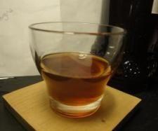licor casero de naranja y café: 3 naranjas, 1 l de orujo, 44 granos de café, 1 kg de azúcar moreno.