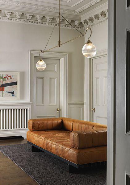 Bí quyết bố trí phòng khách để tài lộc dồi dào dù mua sofa da tphcm ở đâu