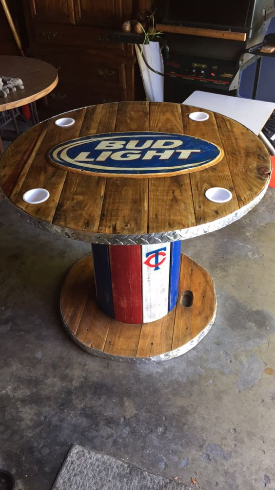Wooden spool bud light table my creations cool spool for Wooden cable reel ideas