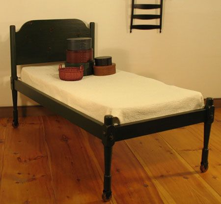 bed in Shaker style furniture