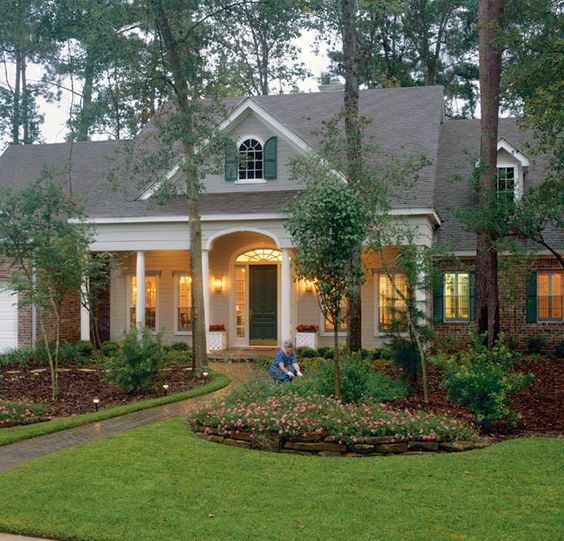 Southern Living House Plans: Simply A Classic -- Valleydale Plan#809