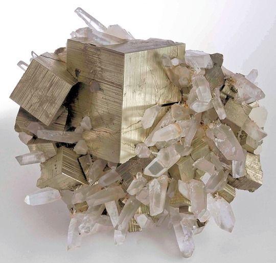 Mineraliety