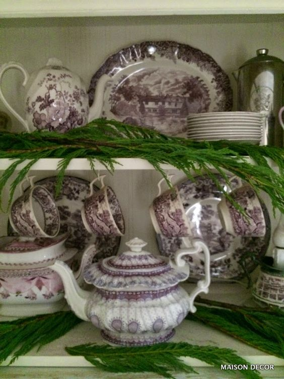 Maison Decor: My tidy little purple and green Christmas kitchen