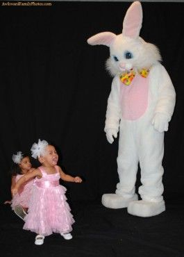 Happy Easter...: Easter Photos, Awkward Easter, Easter Bunnies, Awkward Family Photos, Demented Rabbit, Photos Awkwardfamilyphotos, Easter Bunny