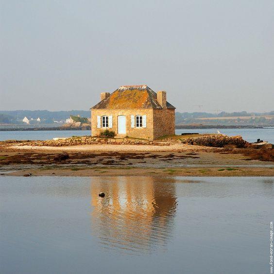 Bretagne wanderlust and saints on pinterest - Maison du monde ile de france ...