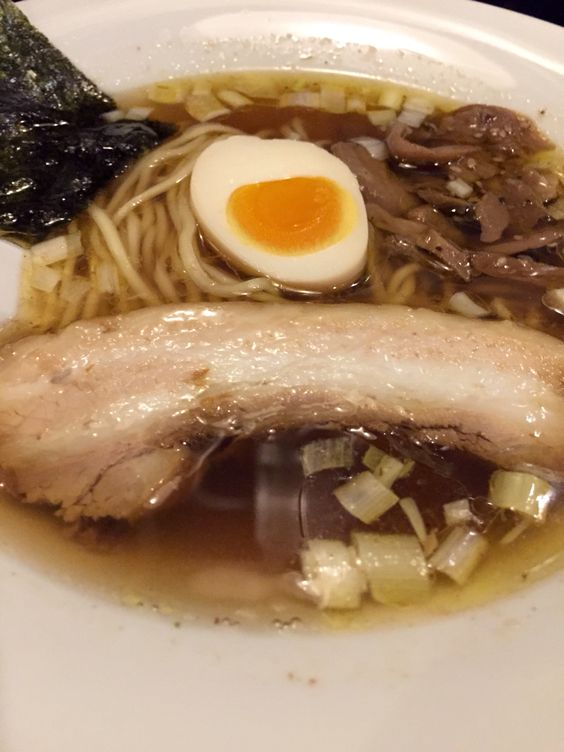 醤油の細麺シナノsilky。さっぱり系、魚介出汁。 信濃神麺 烈士洵名 (しなのしんめんれっしじゅんめい)
