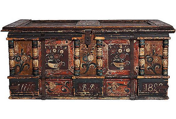 Antique Trunk-love love love this!!