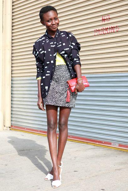 Oroma Elewa est d'origine nigériane. Styliste et modèle depuis plusieurs années, elle vit désormais à New York. Si vous ne connaissez pas encore Oroma, vous n'allez pas tarder à entendre parler d'elle. #intothechic