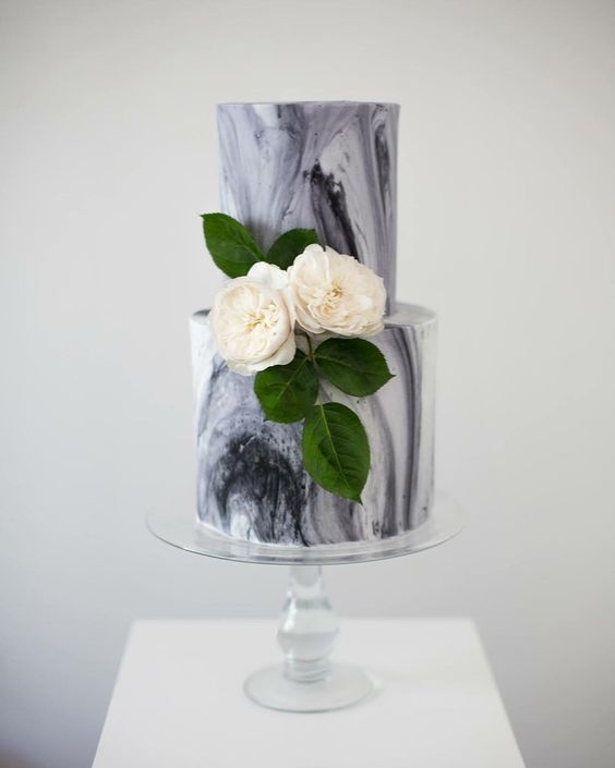 Magnificent marbled cake:
