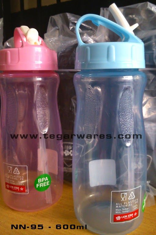 BPA Free bottles of drinking water Lion Star type NN95 600ml capacity When the most eagerly awaited event involving children such as birthdays, graduation celebrations or social events as well as CSR (Customer Social Responsibility) is the distribution of gifts or souvenirs. Obviously we want to share the gift will be useful for the recipient.