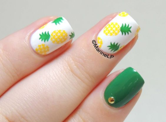 Pineapple nails - Models Own Green Tea - Stamping Pueen 06 - studs - nails - nailart: