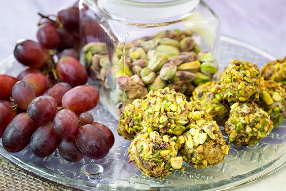 blue cheese and pistachio encrusted grapes | ... Shower Part II – Blue Cheese Wrapped Grapes with Spicy Pistachios