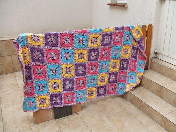 Beautiful #crochet blanket on German blog My World of Colours