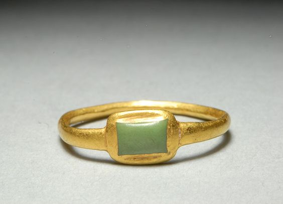 An authentic gold, Medieval ring