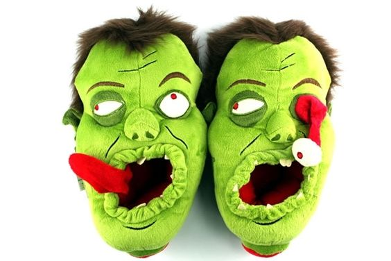 Zombie Slippers!: Plush Slippers, Zombies Slippers, Zombies Plush, Product Zombies, Zombie Slippers, House Shoes, Slippers 39