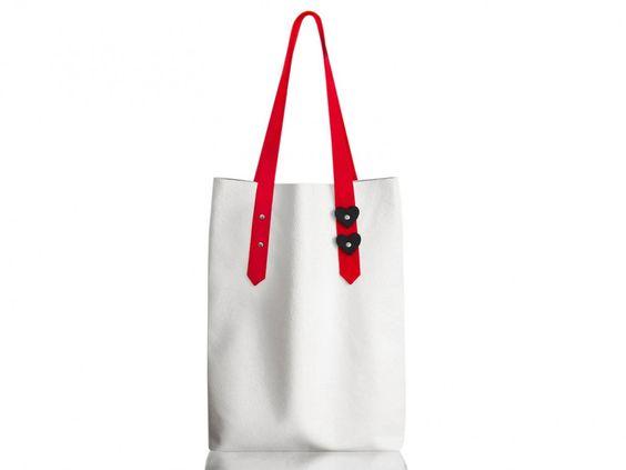 Schultertaschen - Lederbeutel XL mit Nieten - ein Designerstück von modeMania_Bags bei DaWanda