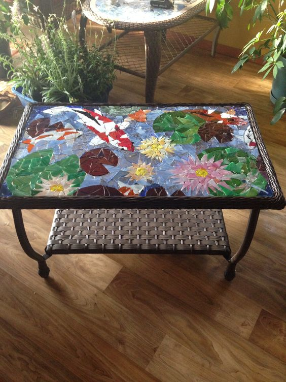 Patio coffee table koi pond and water lilies mosaic for Koi fish pool table