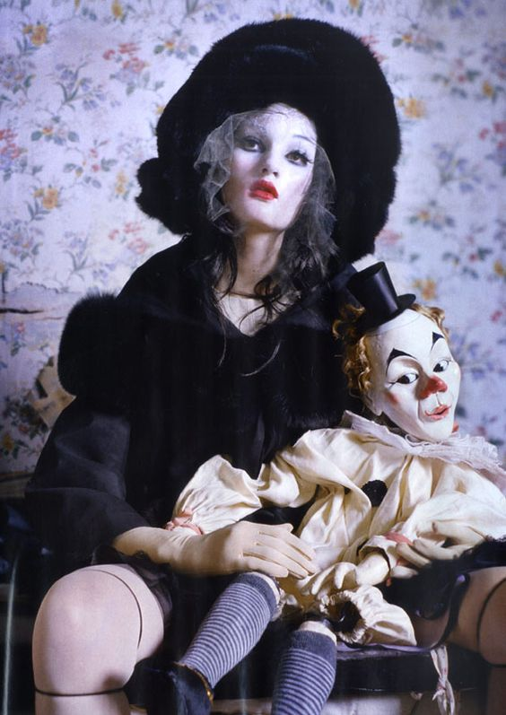 Dolls Editorial - Pesquisa Google