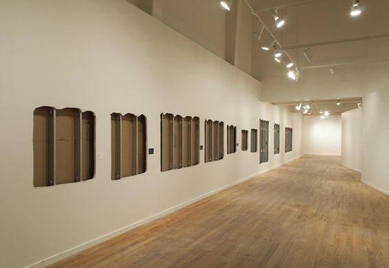 Au-delà des signes : Mathieu Grenier - Documentation du prélèvement des oeuvres au Musée d'art de Joliette (2013)