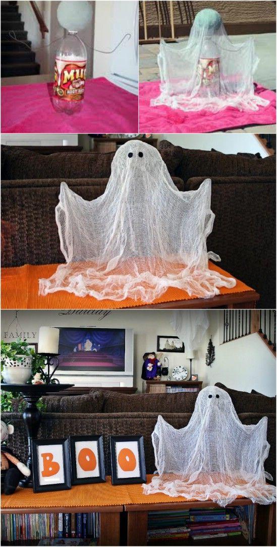 Fantôme DIY  http://www.homelisty.com/decoration-halloween-2015-49-idees-deco-terrifiantes/    #décoration #halloween