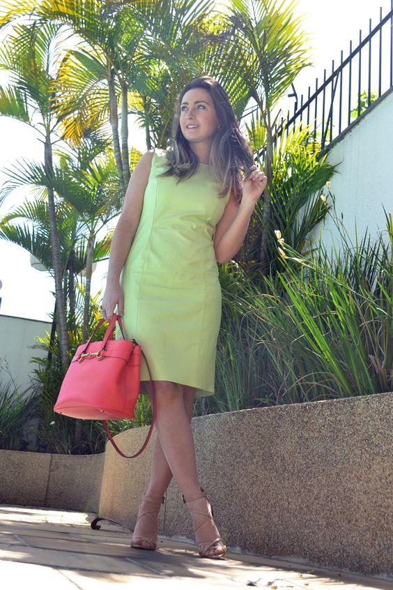 Look verde menta e coral