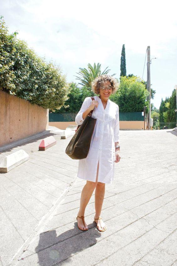 Para o primeiro dia, bikini por baixo deste vestido de linho da Aspesi (comprei no outlet fora de Milão, Fidenza Village, por 100 Euros. Óculos Ray Ban, rasteirinha Rondini e bolsa Chez Dédé.
