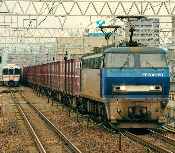 被ってしまいましたが東海区間だと判るからまぁいいか(^_^) #EF200 #313系 #railways_of_our_world #eisenbahnfotografie #train_nerds #trb_express #eisenbahnbilder #rsa_theyards