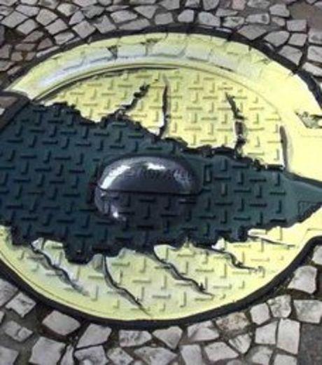 Renaissance ! Les bouches d'égoût revisitées par les street artistes.