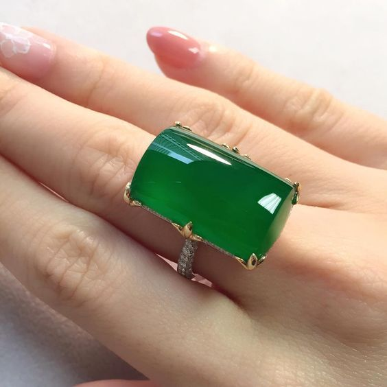 Connie Luk On Instagram A Very Fine Jadeite Plaque Ring With Wonderful Translucency Available At Our Hong K Jade Jewelry Jade Ring Designer Silver Jewellery