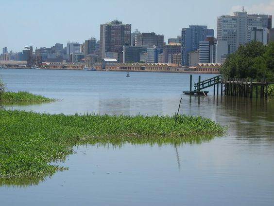 Visão do Centro de Porto Alegre a partir da Ilha da Pintada - Rio Grande do Sul - Brasil