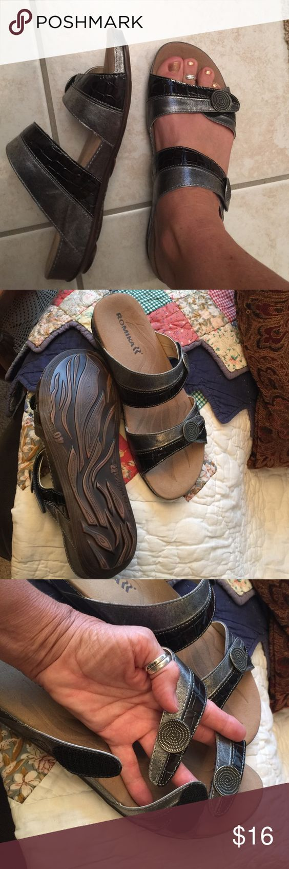 "Amazing 💥 Romika Sandals States size 40. I wear 8 and they appear about 1/2 a size to big. 👣👣👣 Velcro straps. Inside states ""Fidschi-22"" Romika Shoes Sandals"