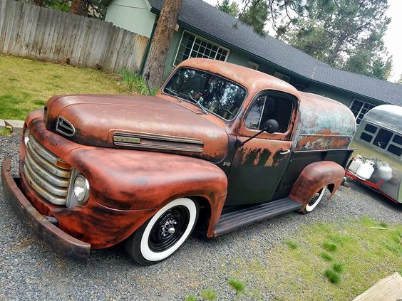 1947 1950 Ford F 2 Jalopy Daily Driver On Wide White Wall Tires A Faux Patina Paint Job And A Super Cool Bed Shell Pic Ford Trucks Vintage Trucks Shop Truck