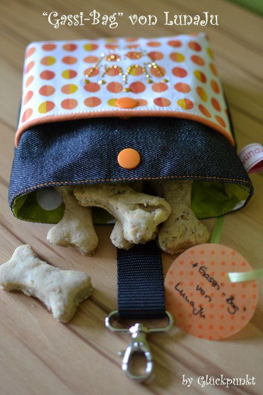Lets- Gassi-Bag- ein Freebook für die Tierfreunde unter euch - Tasche für Hundeleckerlies