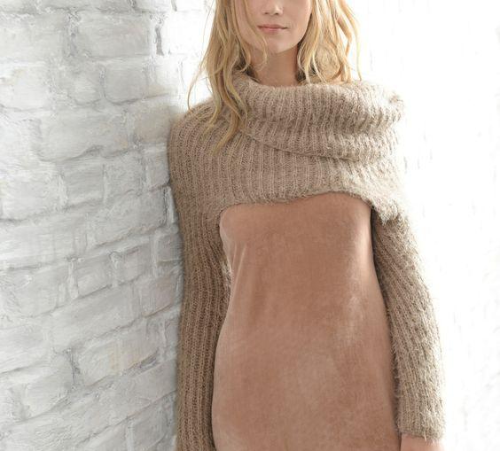 Voici un modèle original et sensuel de col à manches, réalisé en Laine BEAUGENCY…