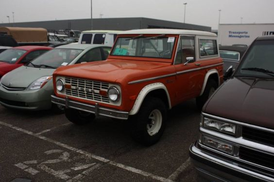 Ford Bronco USA import